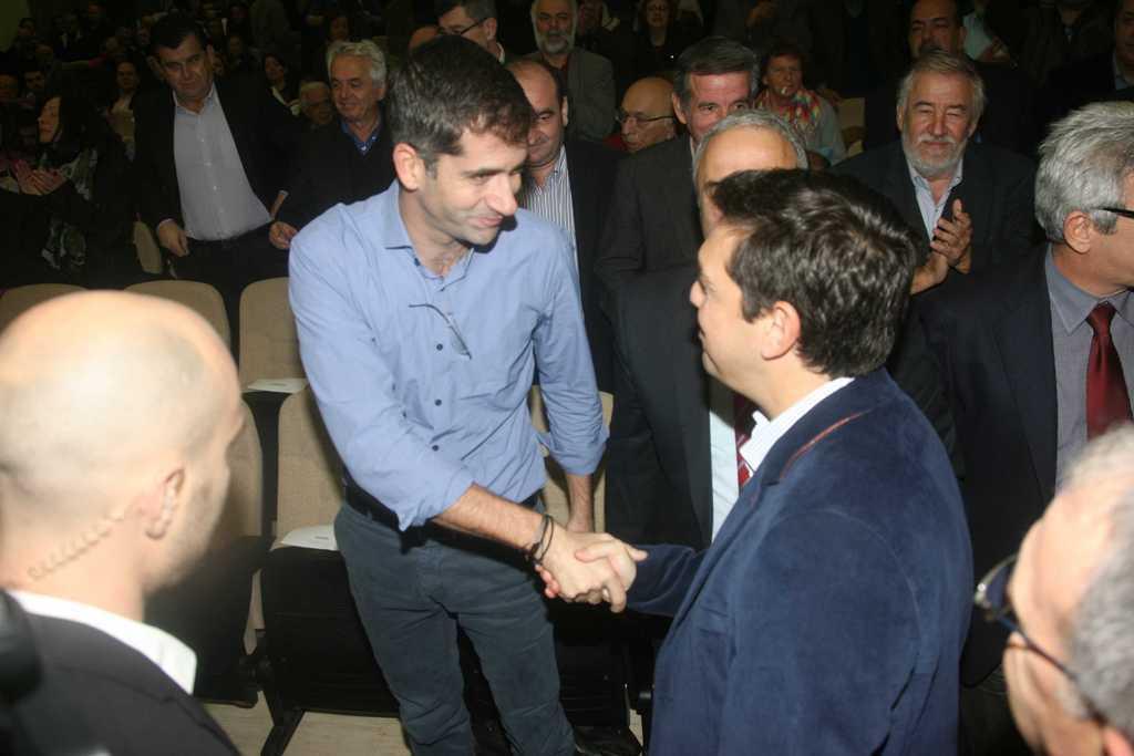 Κ. Μπακογιάννης στο συνέδριο ΣΥΡΙΖΑ: «Ανήκουμε στην ίδια γενιά. Ελάτε να τα κάνουμε αλλιώς»