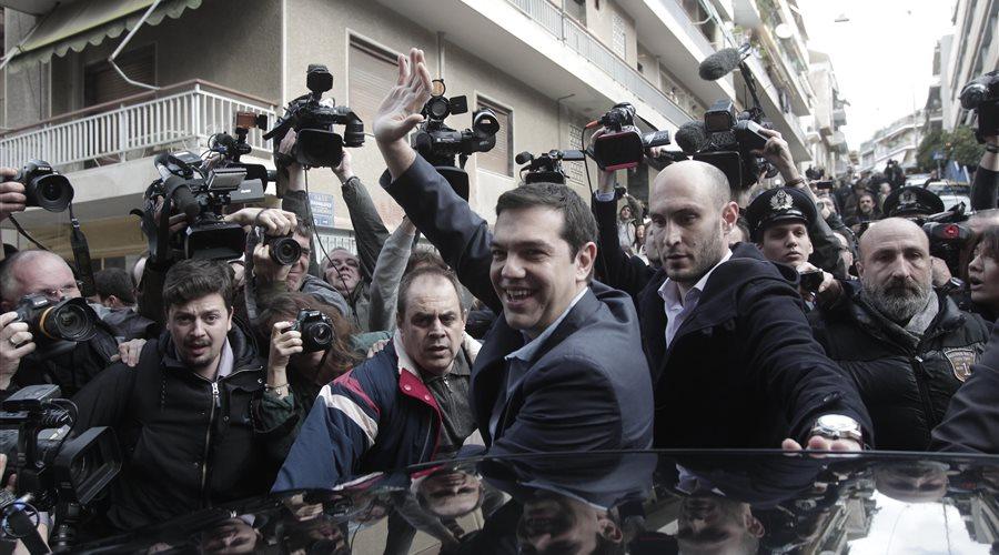 Ιστορική νίκη ΣΥΡΙΖΑ, μια ανάσα από την αυτοδυναμία