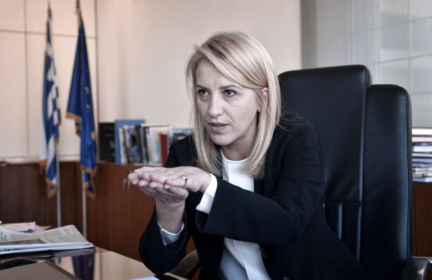 Η Ρένα Δούρου στο Spiegel για το χρέος
