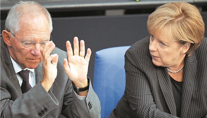 Άνευ όρων συνθηκολόγηση της Ελλάδας επιδιώκει η Γερμανία