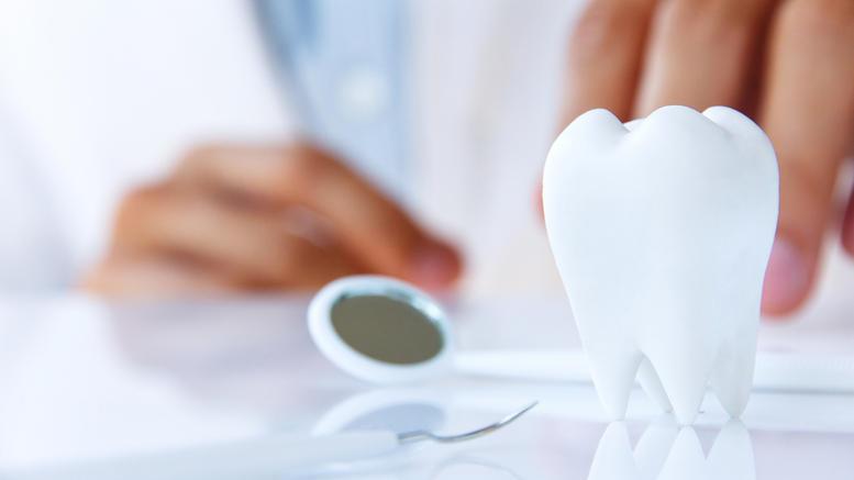 Στο στόχαστρο της Οικονομικής Αστυνομίας οδοντίατρος στη Βούλα