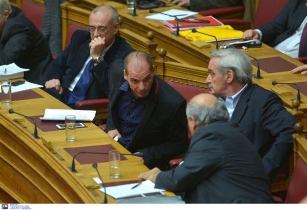 Βούτσης κατά Βαρουφάκη για διακοπή κρατικής χρηματοδότηση ΟΤΑ: «Γιάνη, ούτε να το σκέφτεσαι»