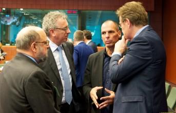 Μαστίγιο και καρότο στο Eurogroup για την Ελλάδα