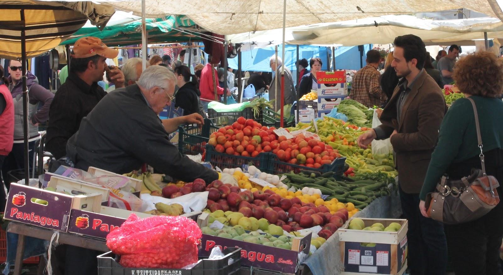 Νέες θέσεις στη λαϊκή αγορά της Βούλας