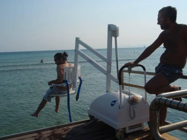 Ανοίγει η παραλία του ΚΑΑΠ Βούλας για άτομα με αναπηρίες
