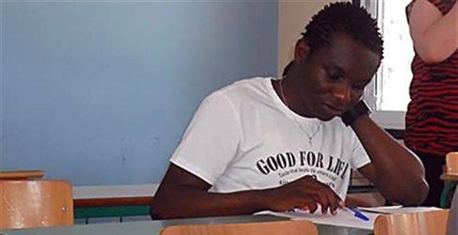 Ένα αγόρι από την Αφρική μπαίνει πρώτος σε ΤΕΙ