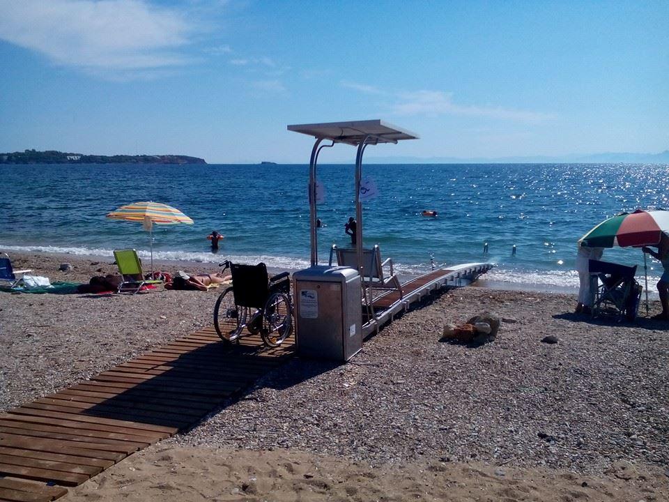 Ελεύθερη παραλία στη Βούλα προσβάσιμη σε ΑμεΑ με SEATRAC