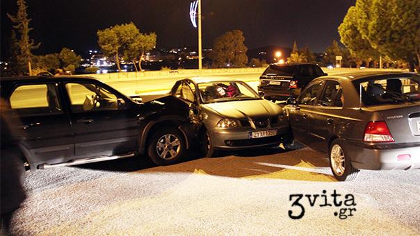 Τριπλό αυτοκινητιστικό ατύχημα στη Βουλιαγμένη (photos)