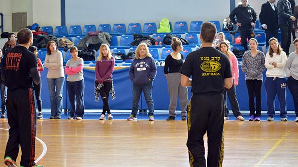 100 γυναίκες από Βάρη, Βούλα και Βουλιαγμένη γνώρισαν το Krav Maga