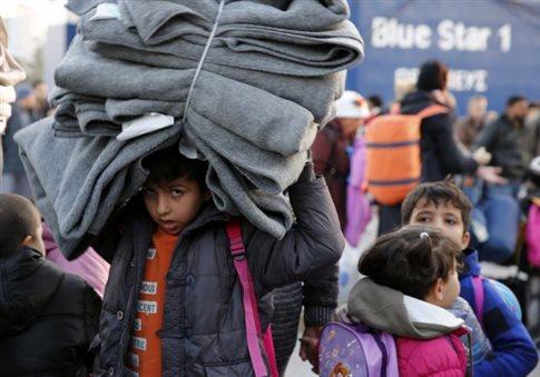Λιμάνι της αγωνίας ο Πειραιάς για χιλιάδες πρόσφυγες