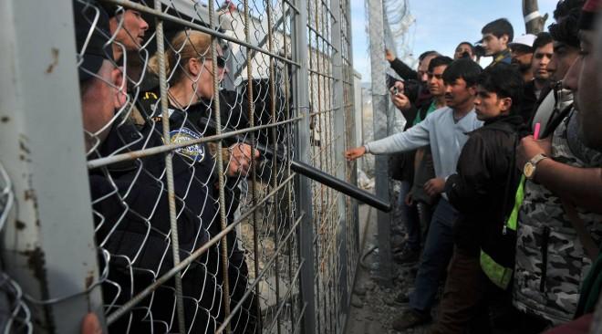 Μουζάλας: Τα σύνορα στην Ειδομένη δεν θα ξανανοίξουν, η Ελλάδα μετατρέπεται σε χώρα εγκατάστασης (βίντεο)