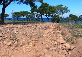 Αρχαιολογικός περίπατος στη Βουλιαγμένη