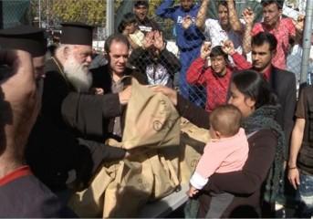 Ιερώνυμος για πρόσφυγες: Τους αγαπάμε αλλά...είναι μεγάλο το βάρος