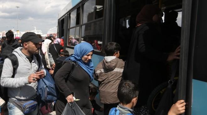 Οι πρόσφυγες αποφάσισαν να φύγουν από το λιμάνι
