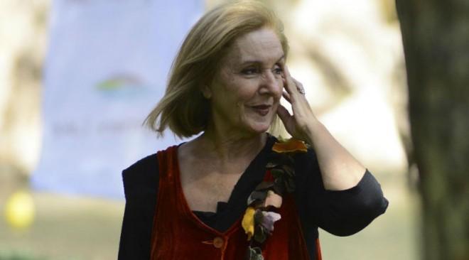 Η Κάρμεν Ρουγγέρη στη Βουλιαγμένη για την Παγκόσμια Ημέρα Βιβλίου