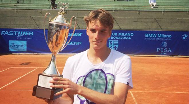 Κατέκτησε τον κόσμο του τένις ο Βουλιαγμενιώτης Στέφανος Τσιτσιπάς