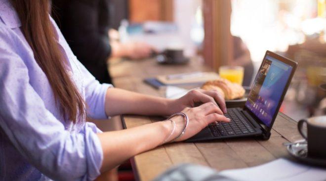 Πώς οι εταιρείες λογισμικού απομυζούν τον Δήμο Βάρης Βούλας Βουλιαγμένης
