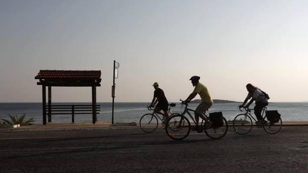 Ο γύρος της Βάρης Βούλας Βουλιαγμένης με ποδήλατο