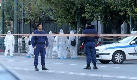 Προβληματίζει η τρομοκρατική επίθεση στη γαλλική πρεσβεία στην Αθήνα