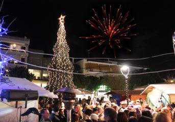 Στις 14 Δεκεμβρίου ανάβει με πάρτυ το χριστουγεννιάτικο δέντρο στη Βούλα