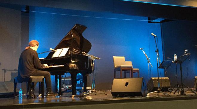 Η συναυλία του Στέφανου Κορκολή στη Βούλα (video)