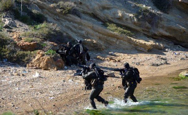 """Οι Ειδικές Δυνάμεις """"καταλαμβάνουν"""" τις Φλέβες (photos)"""