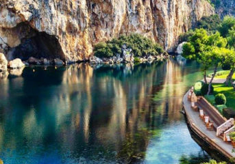 Ανοιχτή ξανά η Λίμνη Βουλιαγμένης (με νέους κανόνες υγιεινής)