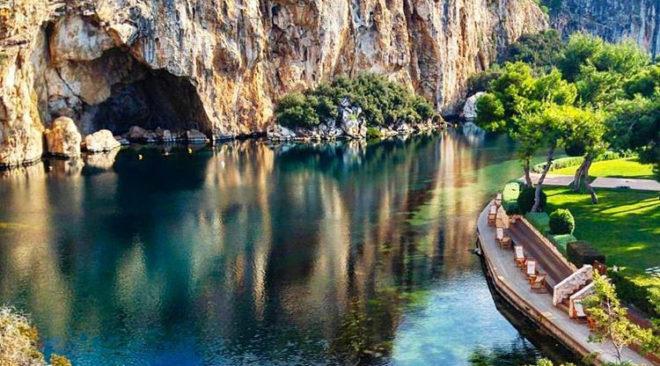 Παραμύθια με την Κάρμεν Ρουγγέρη στη Λίμνη Βουλιαγμένης