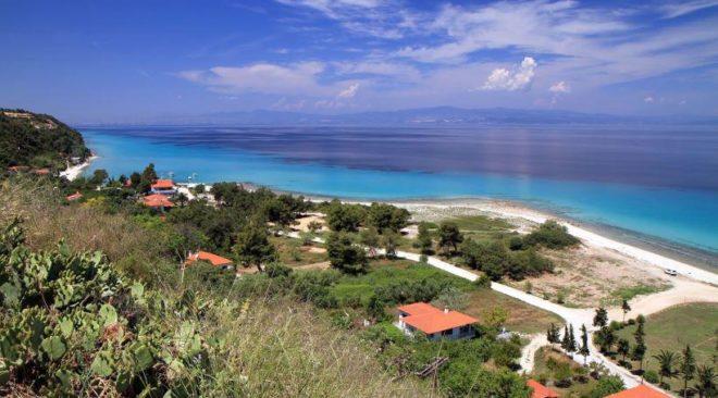 Ενοικιαζόμενα δωμάτια στη Βουρβουρού Χαλκιδικής - Ελληνικό καλοκαίρι 2018