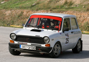 Ένα Γκραν Πρι ιστορικών αυτοκινήτων στη Βάρκιζα