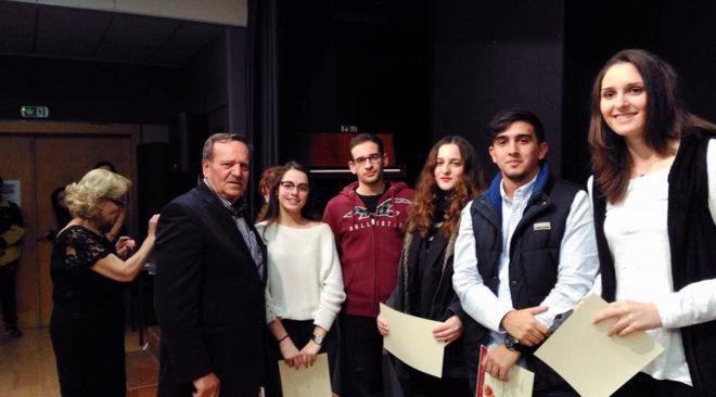Επιτυχία 90% στις Πανελλήνιες είχαν οι μαθητές από Βάρη, Βούλα και Βουλιαγμένη