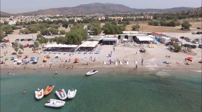Δύο καντίνες με κλήρωση στην ελεύθερη παραλία της Βάρκιζας