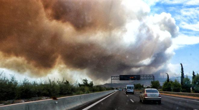 Στη μάχη με τις φλόγες και ο Δήμος Βάρης Βούλας Βουλιαγμένης