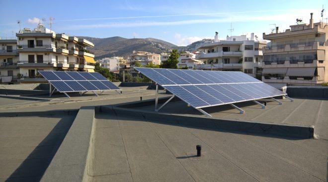 4 σχολεία σε Βάρη, Βούλα και Βουλιαγμένη θα λειτουργούν με τον ήλιο