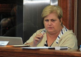Διαξιφισμοί Κωνσταντέλλου - Σίνα στο Δημοτικό Συμβούλιο (video)