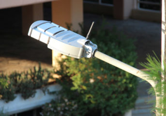Τα LED διχάζουν τον Δήμο Σαρωνικού με φόντο τα ...3Β