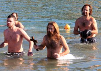 Πώς εορτάστηκαν τα Θεοφάνεια σε Βάρκιζα, Βούλα και Βουλιαγμένη (photos-video)
