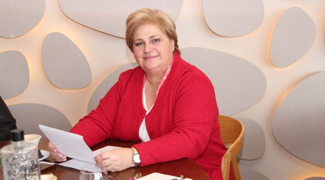Έκανε το βήμα μπροστά για τον Δήμο Βάρης Βούλας Βουλιαγμένης η Μαρία Σίνα
