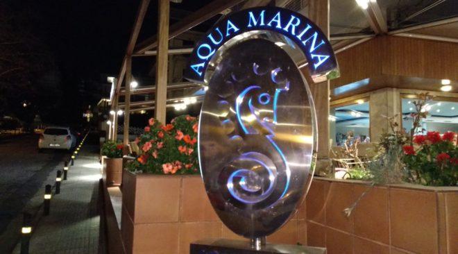 Οι New York Times συνιστούν ...Aqua Marina στη Βουλιαγμένη