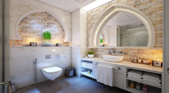 Πότε να μονώσουμε μια ταράτσα και γιατί να ανακαινίσουμε ένα μπάνιο;