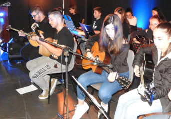 Βούλα: Χριστουγεννιάτικη συναυλία από παιδιά για τα παιδιά