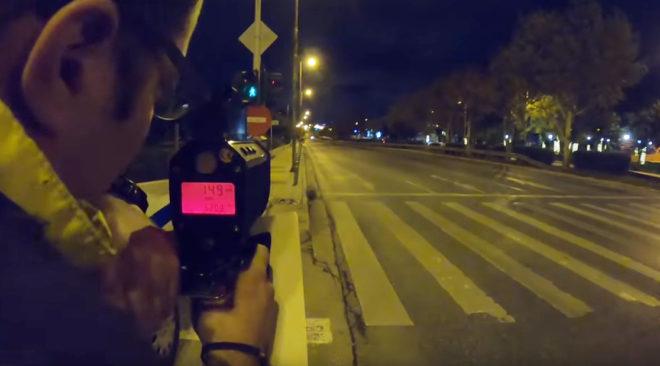 Τα ραντάρ της Τροχαίας πιάνουν κόντρες στη λεωφόρο Βουλιαγμένης (video)
