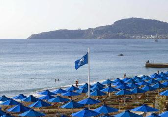 Γαλάζια Σημαία και φέτος κυματίζει σε Βάρκιζα, Βουλιαγμένη και Βούλα